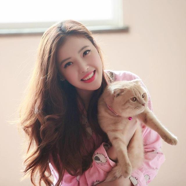 Em gái xinh đẹp, cao gần 1m80 của Hoa hậu Mai Phương Thúy - 2